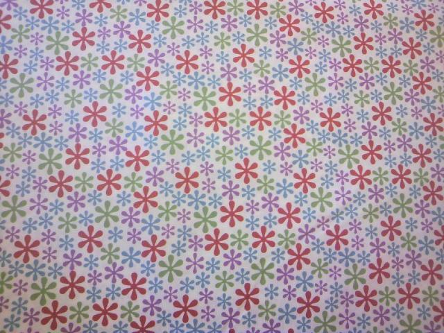 白地マーガレット柄の布地