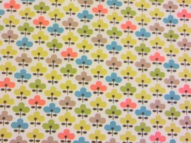カラフルな花柄の布地