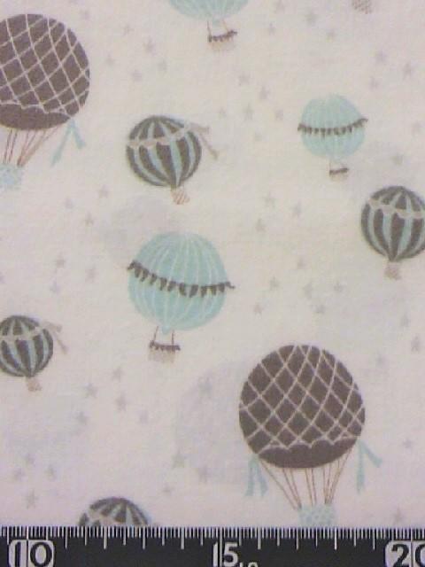 気球柄の布地