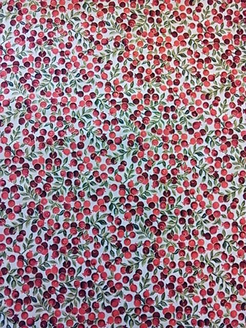 赤い実柄の布地