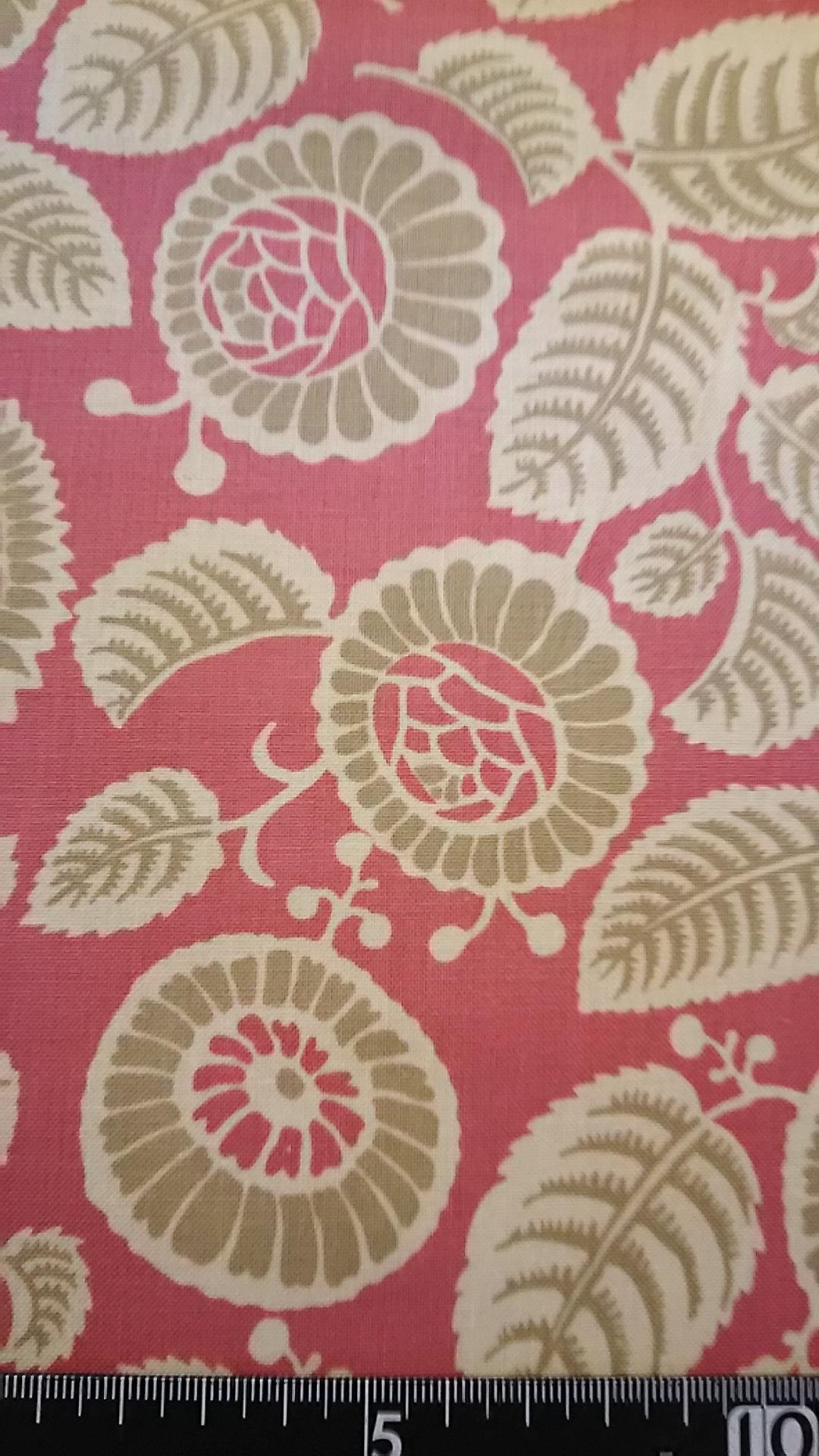 ピンク地花柄首輪